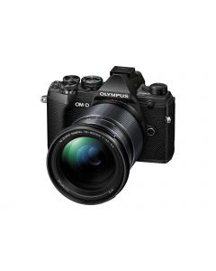 Olympus OM-D E-M5 III zwart + 12-200mm /3.5-6.3 zoomlens