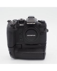 Olympus OM-D E-M1 Mark II + HLD-9 - BHUA03576 - Occasion