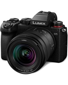 Panasonic Lumix DC-S5 + 20-60mm /3.5-5.6 full frame systeemcamera